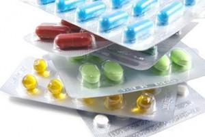 verschillende pillen op wit 5